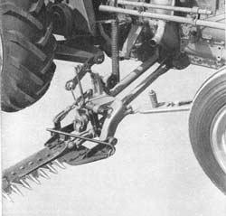barre de coupe Kuhn Renault detail