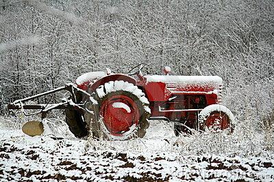 tracteur sous la neige - conseil de remisage