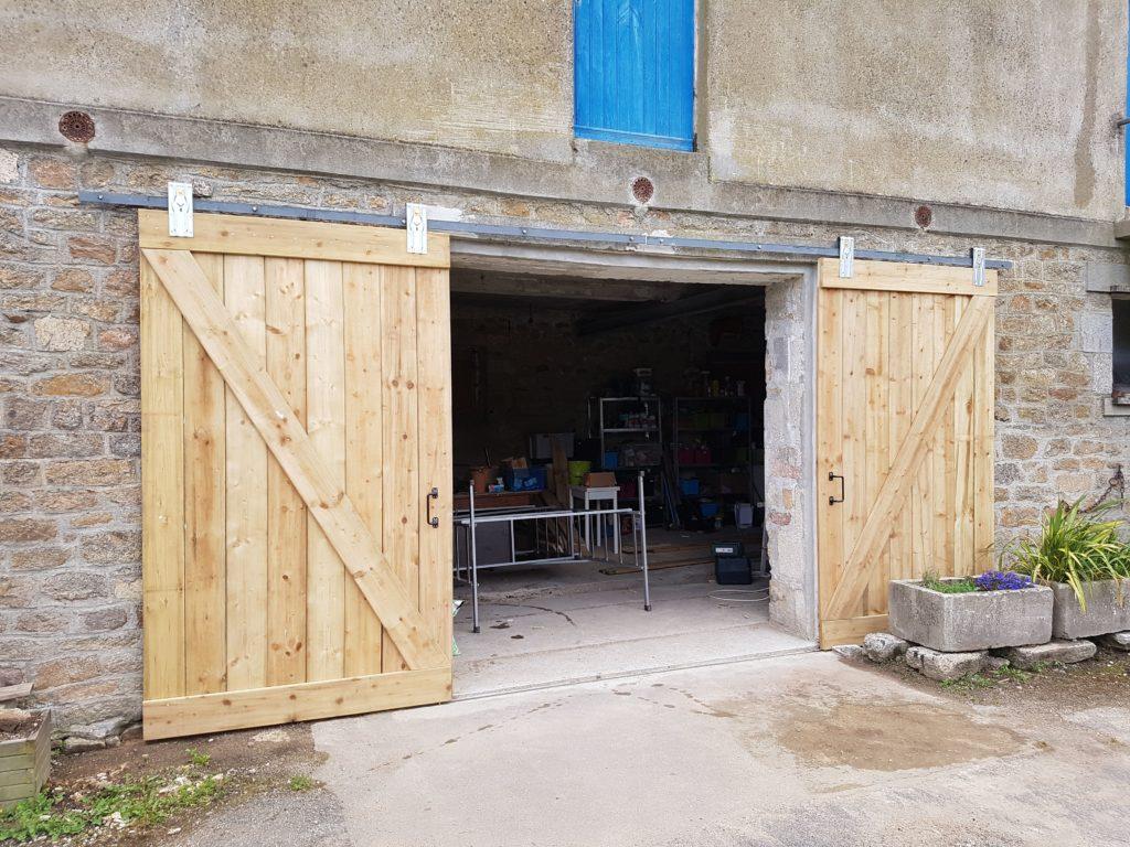 Porte Grange Coulissante Bois fabriquer une porte de grange coulissante - sos tracteur