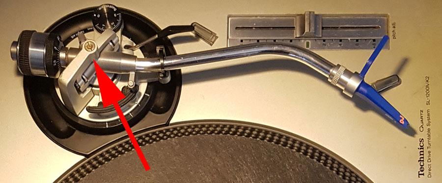 Bras de platine Technics SL1200 MK2  et vis de roulement du bras
